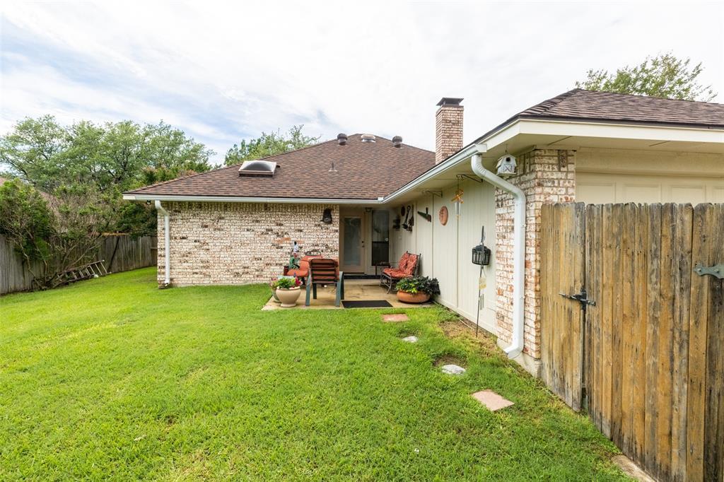 302 Barclay  Avenue, Coppell, Texas 75019 - acquisto real estate mvp award real estate logan lawrence