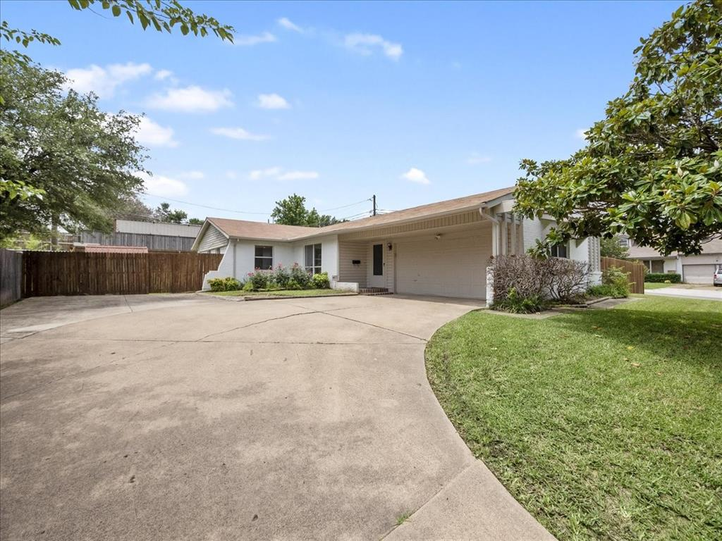 2906 Candlewick  Lane, Farmers Branch, Texas 75234 - Acquisto Real Estate best plano realtor mike Shepherd home owners association expert