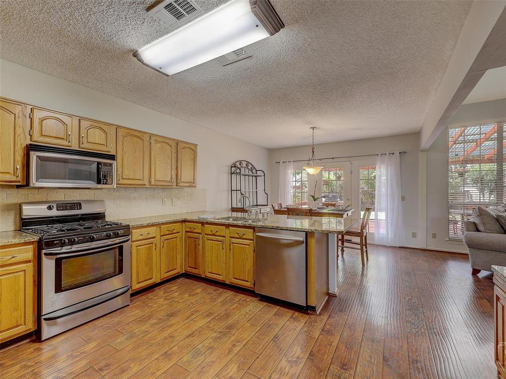 2121 Lansdown  Drive, Carrollton, Texas 75010 - acquisto real estate best listing agent in the nation shana acquisto estate realtor