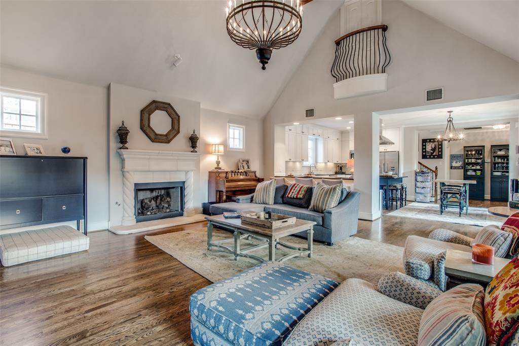 5746 Llano  Avenue, Dallas, Texas 75206 - acquisto real estate best luxury buyers agent in texas shana acquisto inheritance realtor