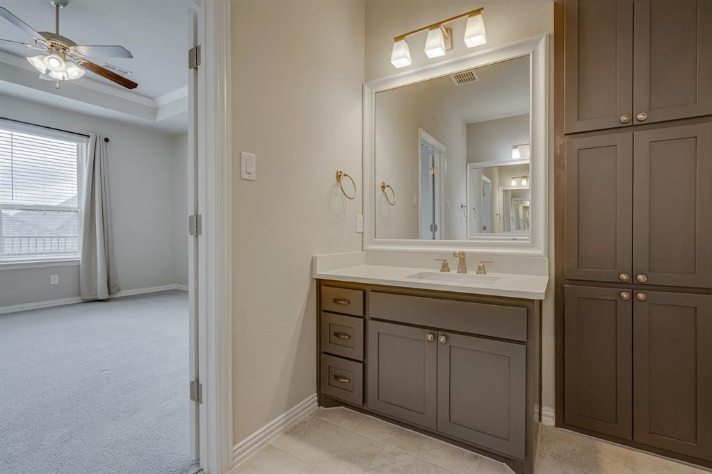 4016 Viento  Lane, Highland Village, Texas 75077 - acquisto real estate best realtor foreclosure real estate mike shepeherd walnut grove realtor