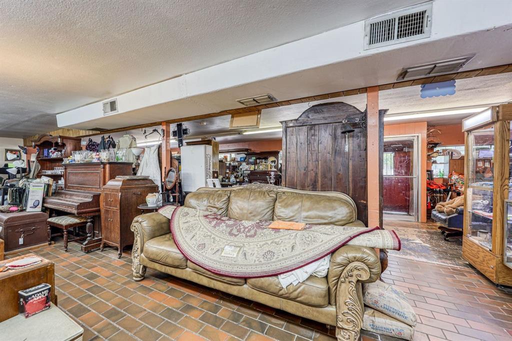 1500 Oak  Mineral Wells, Texas 76067 - acquisto real estate best prosper realtor susan cancemi windfarms realtor