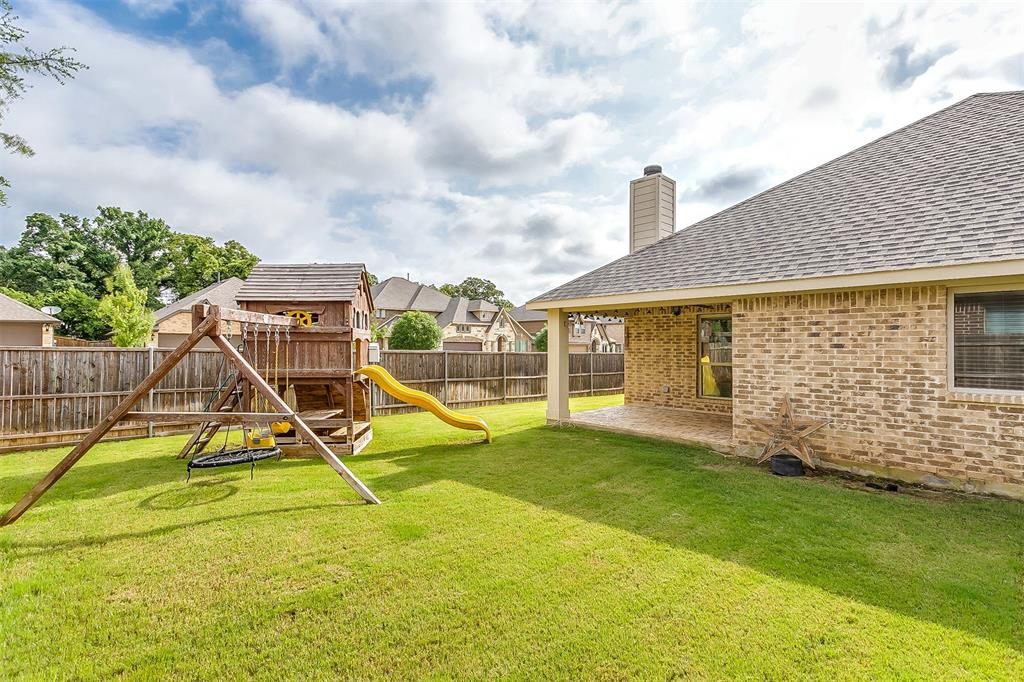 1000 Tarragon  Drive, Burleson, Texas 76028 - acquisto real estate best real estate idx dilusso marketing mike acquisto