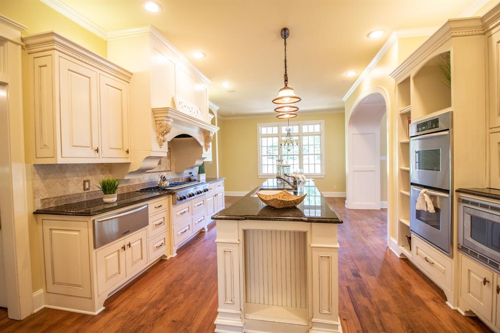 902 South  Street, Lindale, Texas 75771 - acquisto real estate best designer and realtor hannah ewing kind realtor