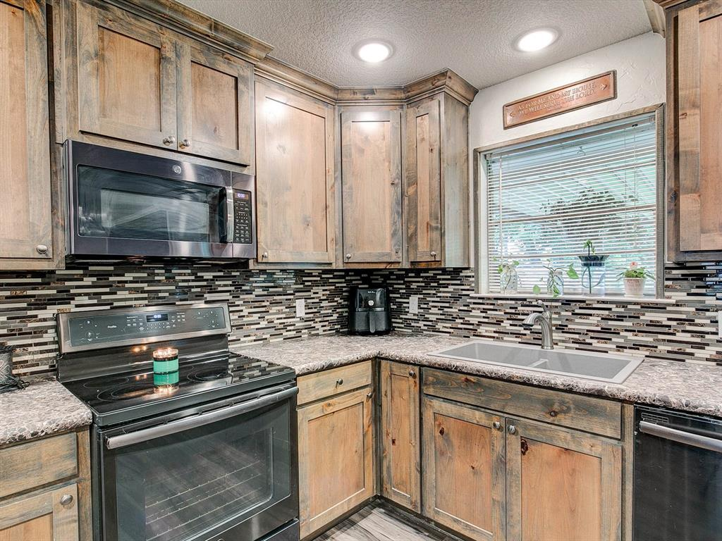 401 Wilson  Avenue, Whitney, Texas 76692 - acquisto real estate best listing listing agent in texas shana acquisto rich person realtor