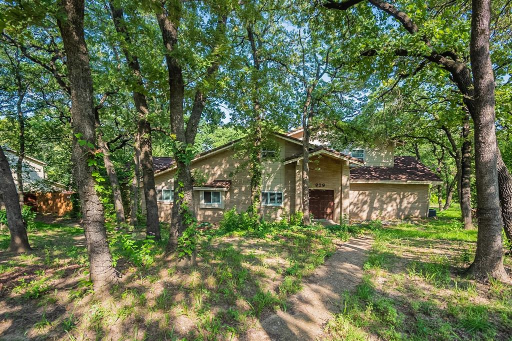 929 Highwoods  Trail, Fort Worth, Texas 76112 - Acquisto Real Estate best frisco realtor Amy Gasperini 1031 exchange expert