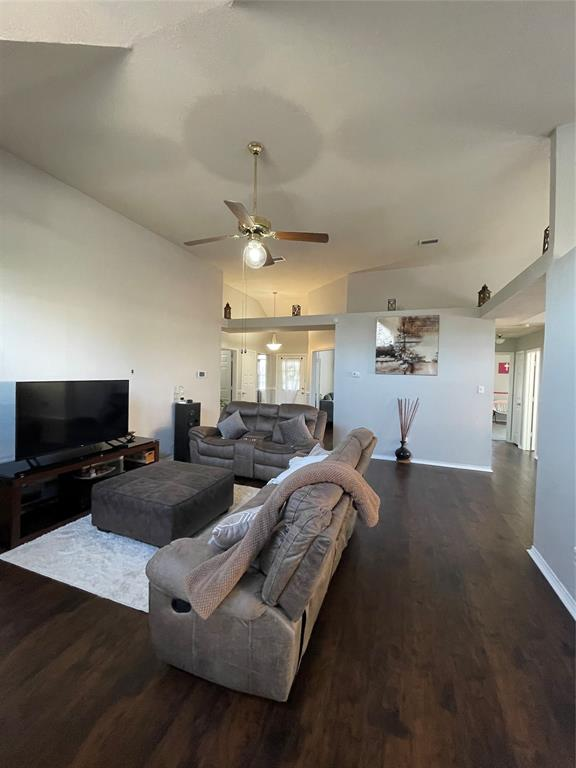 1205 Calvert  Drive, Cedar Hill, Texas 75104 - acquisto real estate best prosper realtor susan cancemi windfarms realtor