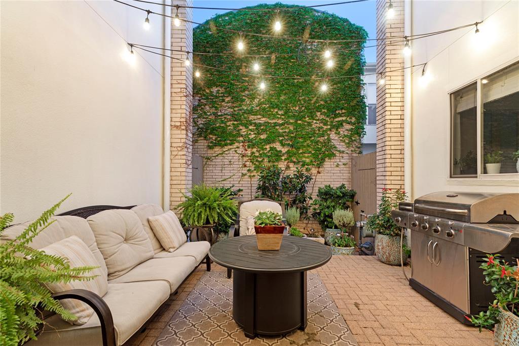 3905 Wycliff  Avenue, Dallas, Texas 75219 - acquisto real estate best realtor dallas texas linda miller agent for cultural buyers