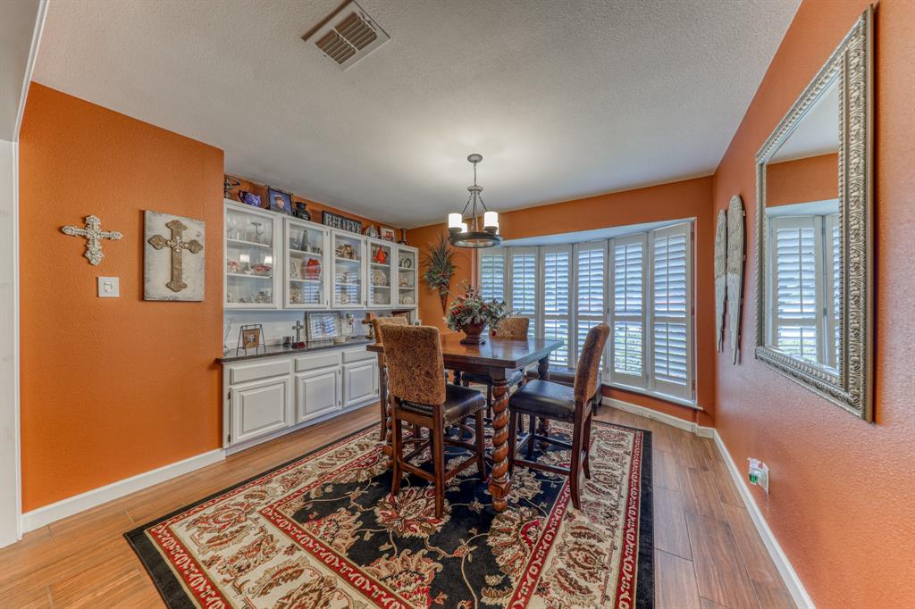 807 Hilltop  Drive, Weatherford, Texas 76086 - acquisto real estate best real estate company to work for