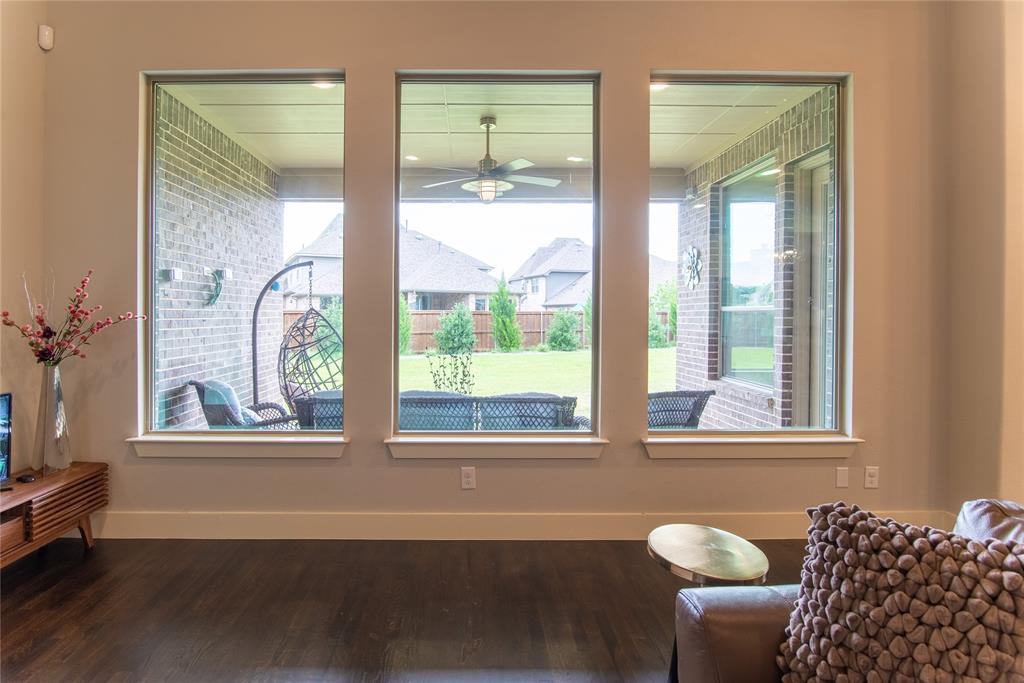 1317 Scarlet Oak  Drive, Arlington, Texas 76005 - acquisto real estate best luxury buyers agent in texas shana acquisto inheritance realtor