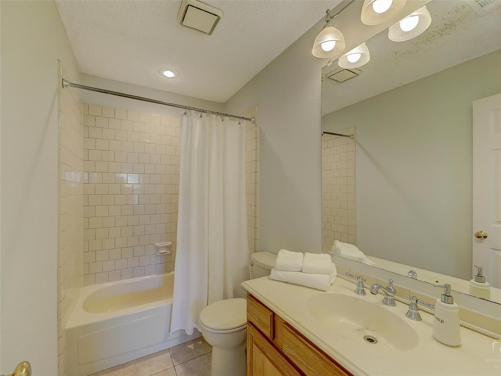 2121 Lansdown  Drive, Carrollton, Texas 75010 - acquisto real estate nicest realtor in america shana acquisto
