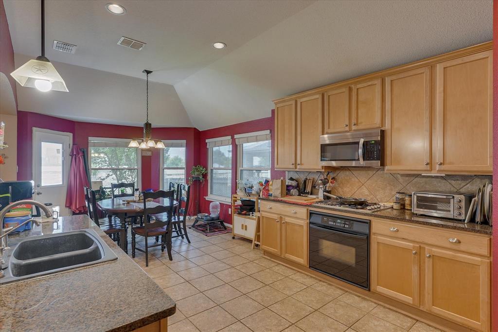3809 Miramar  Drive, Denton, Texas 76210 - acquisto real estate best highland park realtor amy gasperini fast real estate service