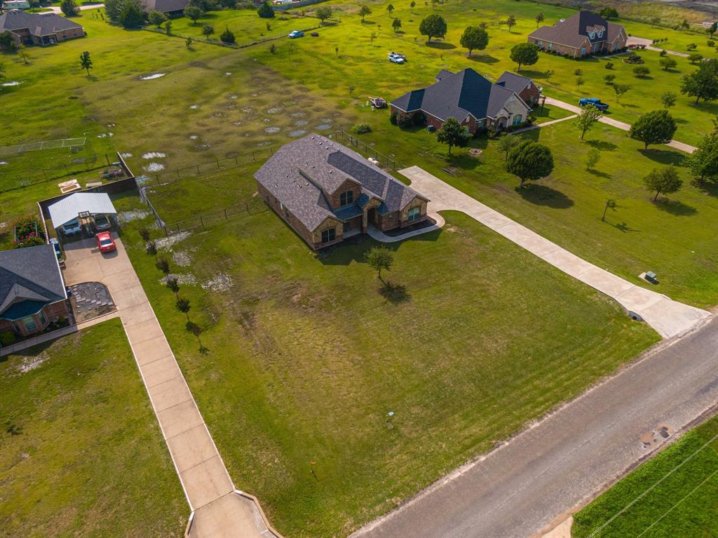 825 Broadhead  Road, Waxahachie, Texas 75165 - acquisto real estate best negotiating realtor linda miller declutter realtor
