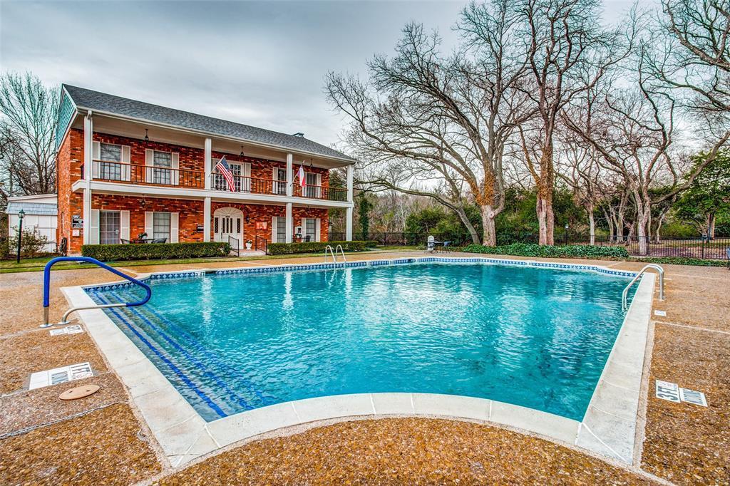 968 Roaring Springs  Road, Fort Worth, Texas 76114 - acquisto real estate best realtor dfw jody daley liberty high school realtor