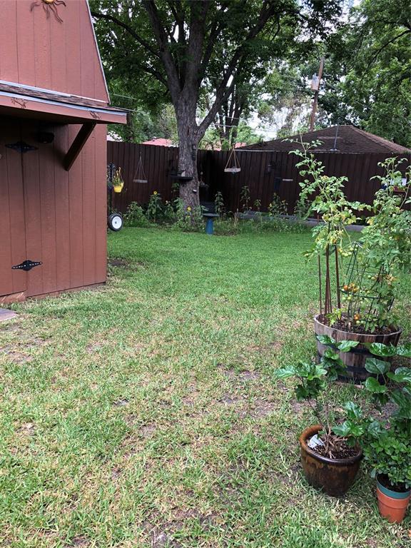 3107 Crest Ridge  Drive, Dallas, Texas 75228 - acquisto real estate best realtor foreclosure real estate mike shepeherd walnut grove realtor