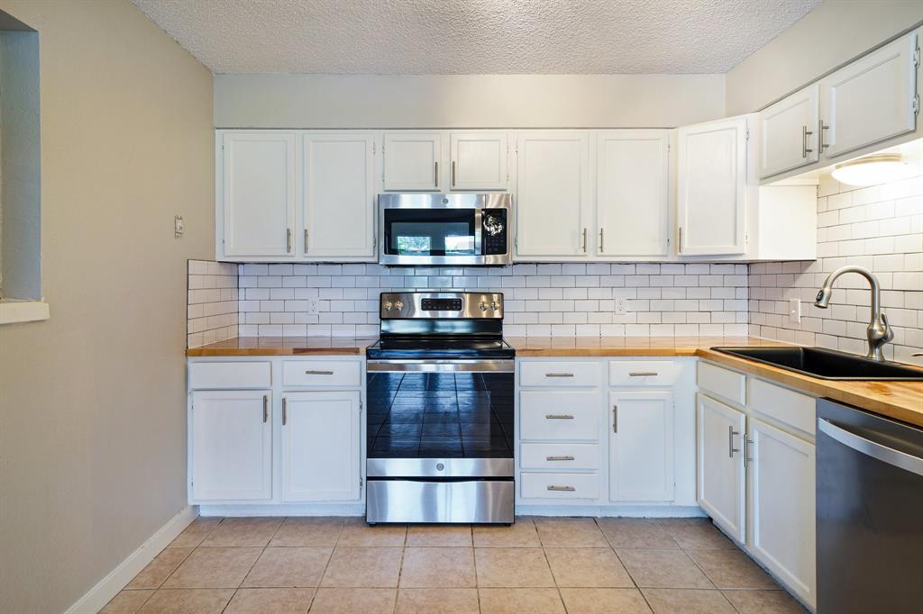 1512 Thomas  Lane, Graham, Texas 76450 - acquisto real estate best the colony realtor linda miller the bridges real estate