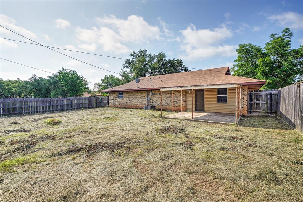 1512 Thomas  Lane, Graham, Texas 76450 - acquisto real estate best listing listing agent in texas shana acquisto rich person realtor