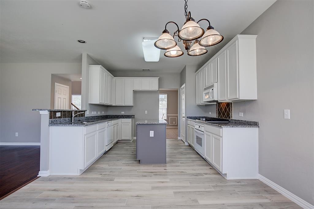8212 Brown Stone  Lane, Frisco, Texas 75033 - acquisto real estate best designer and realtor hannah ewing kind realtor