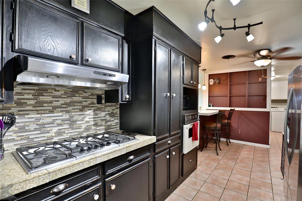 3916 Laurel  Drive, Abilene, Texas 79603 - acquisto real estate best photos for luxury listings amy gasperini quick sale real estate