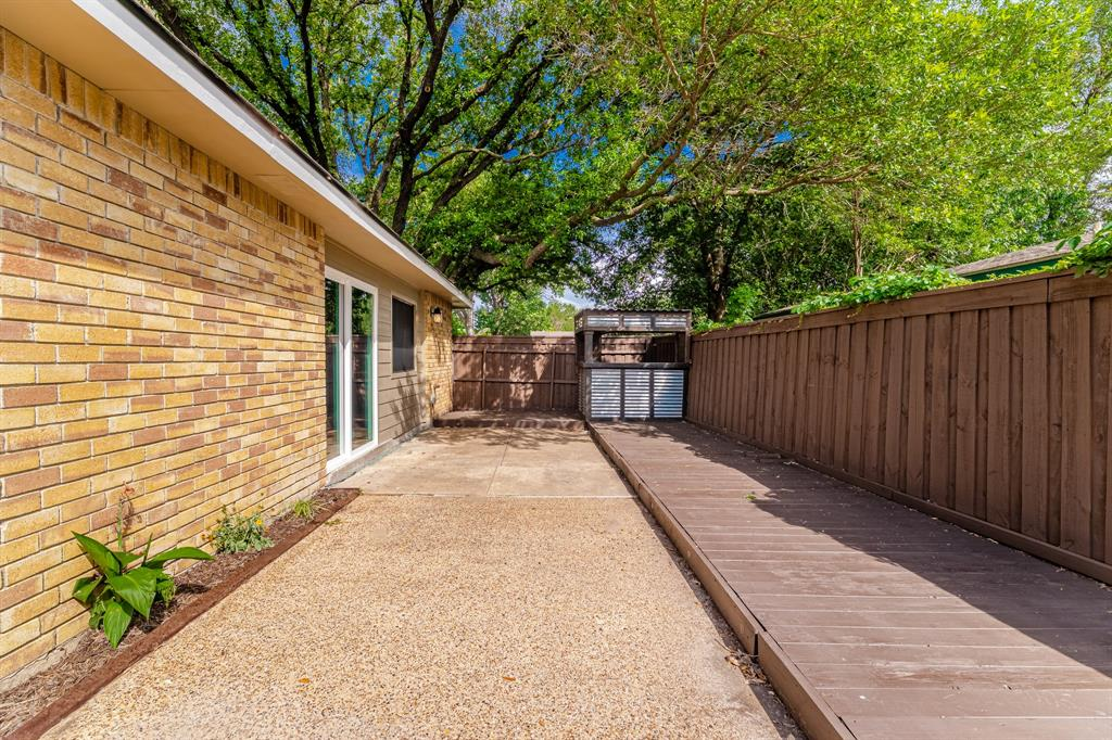 6221 Glenmoor  Drive, Garland, Texas 75043 - acquisto real estate best looking realtor in america shana acquisto