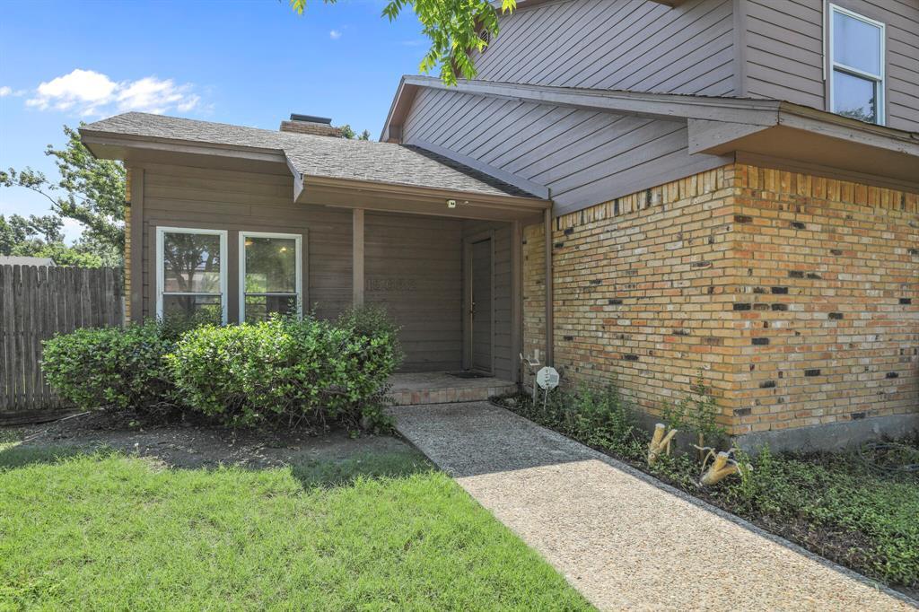 15632 Moondust  Drive, Dallas, Texas 75248 - Acquisto Real Estate best frisco realtor Amy Gasperini 1031 exchange expert
