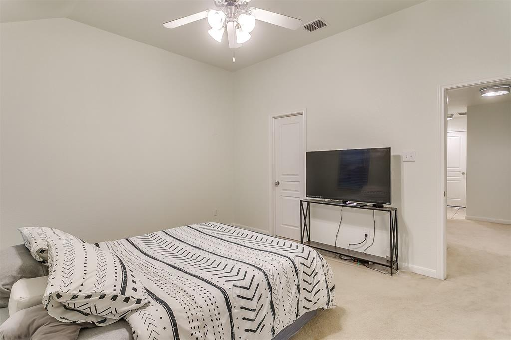 2661 Calmwater  Drive, Little Elm, Texas 75068 - acquisto real estate best plano real estate agent mike shepherd