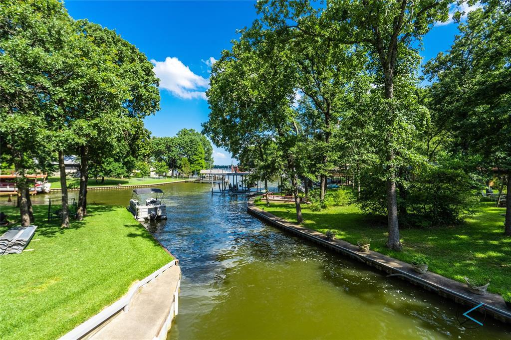 124 Robin Hood  Way, Gun Barrel City, Texas 75156 - acquisto real estate best realtor foreclosure real estate mike shepeherd walnut grove realtor