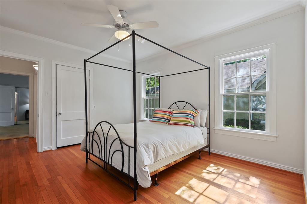 5935 Vanderbilt  Avenue, Dallas, Texas 75206 - acquisto real estate best highland park realtor amy gasperini fast real estate service