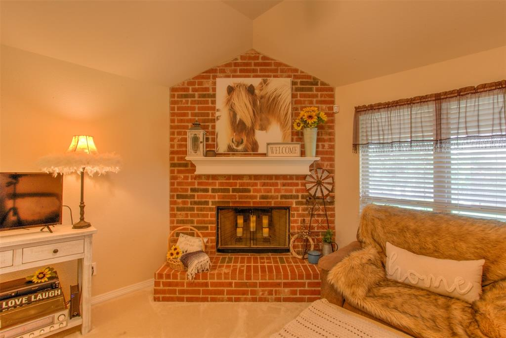 509 Kriston  Drive, Azle, Texas 76020 - acquisto real estate best real estate company in frisco texas real estate showings