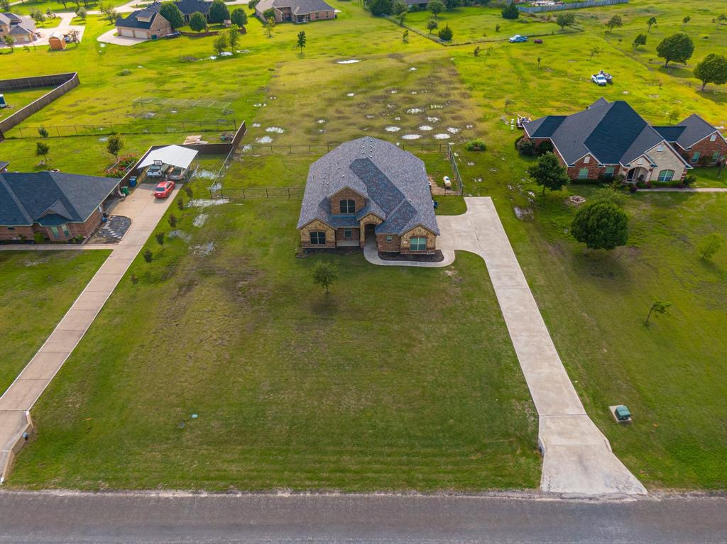 825 Broadhead  Road, Waxahachie, Texas 75165 - acquisto real estate best park cities realtor kim miller best staging agent
