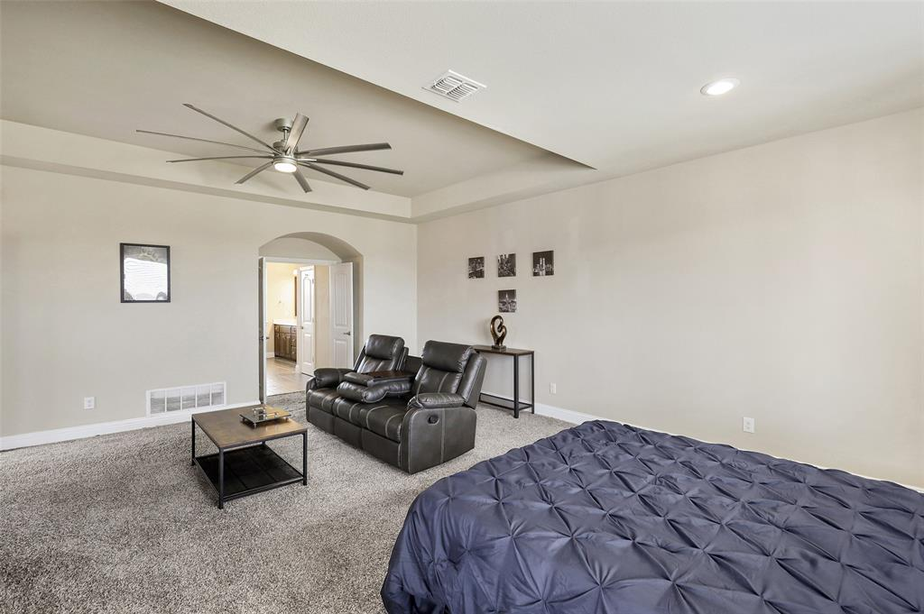 2670 Venice  Drive, Grand Prairie, Texas 75054 - acquisto real estate best investor home specialist mike shepherd relocation expert