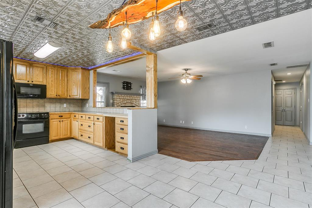 1107 6th  Street, Springtown, Texas 76082 - acquisto real estate best real estate company in frisco texas real estate showings