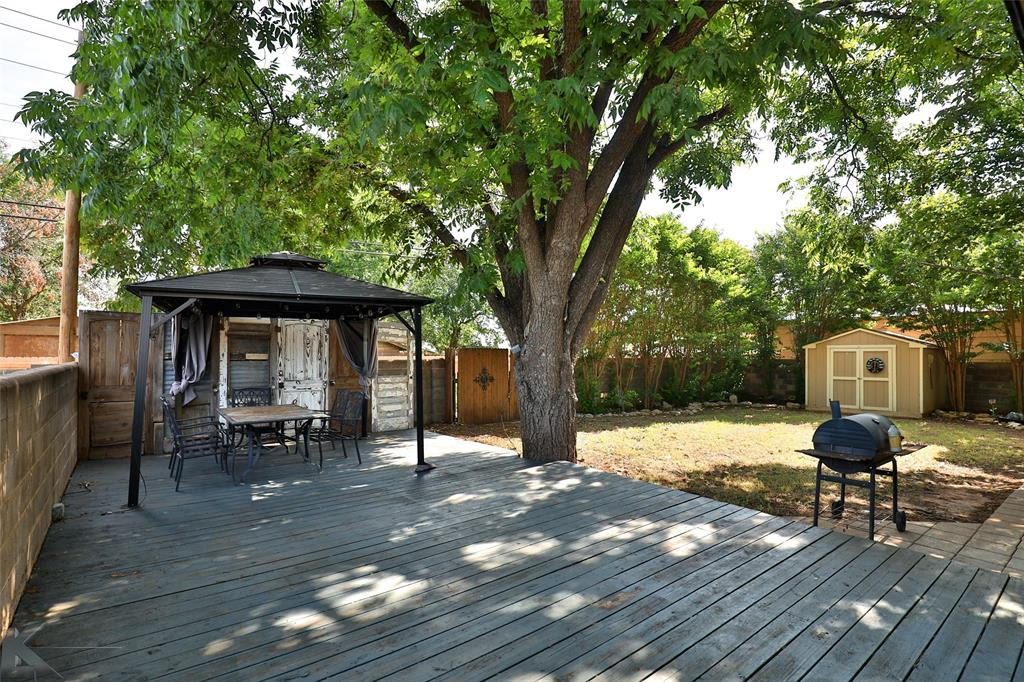 3916 Laurel  Drive, Abilene, Texas 79603 - acquisto real estate best looking realtor in america shana acquisto