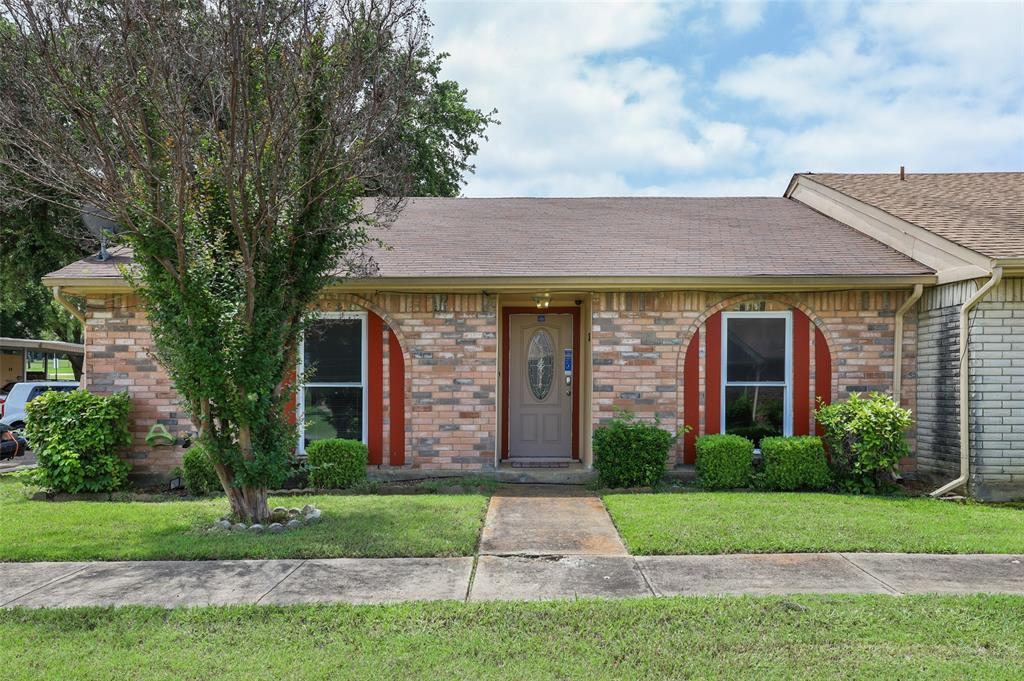 25 Mountain Creek  Court, Grand Prairie, Texas 75052 - Acquisto Real Estate best plano realtor mike Shepherd home owners association expert
