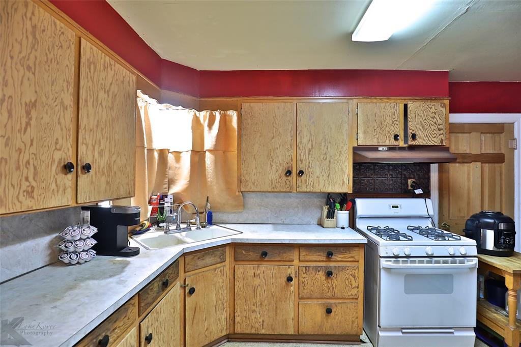 813 Orient  Street, Stamford, Texas 79553 - acquisto real estate best prosper realtor susan cancemi windfarms realtor
