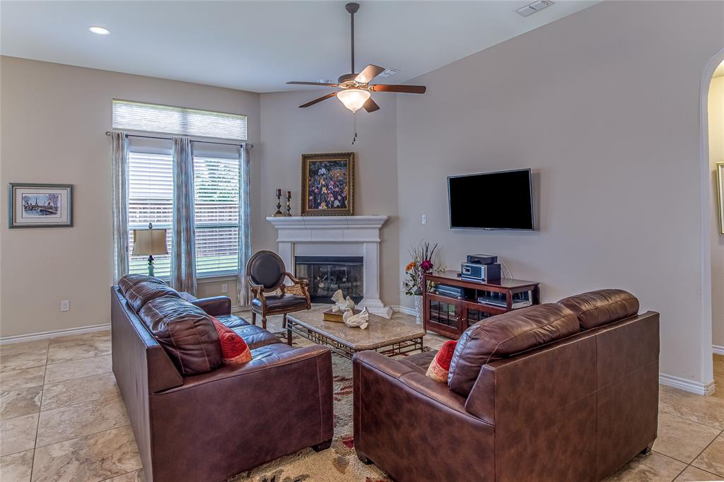 516 Caudle  Lane, Savannah, Texas 76227 - acquisto real estate best photos for luxury listings amy gasperini quick sale real estate