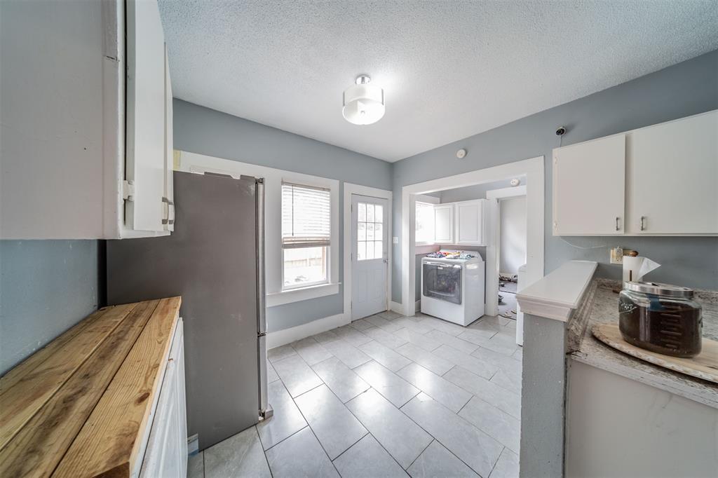 114 Scurlock  Avenue, Cleburne, Texas 76031 - acquisto real estate best celina realtor logan lawrence best dressed realtor