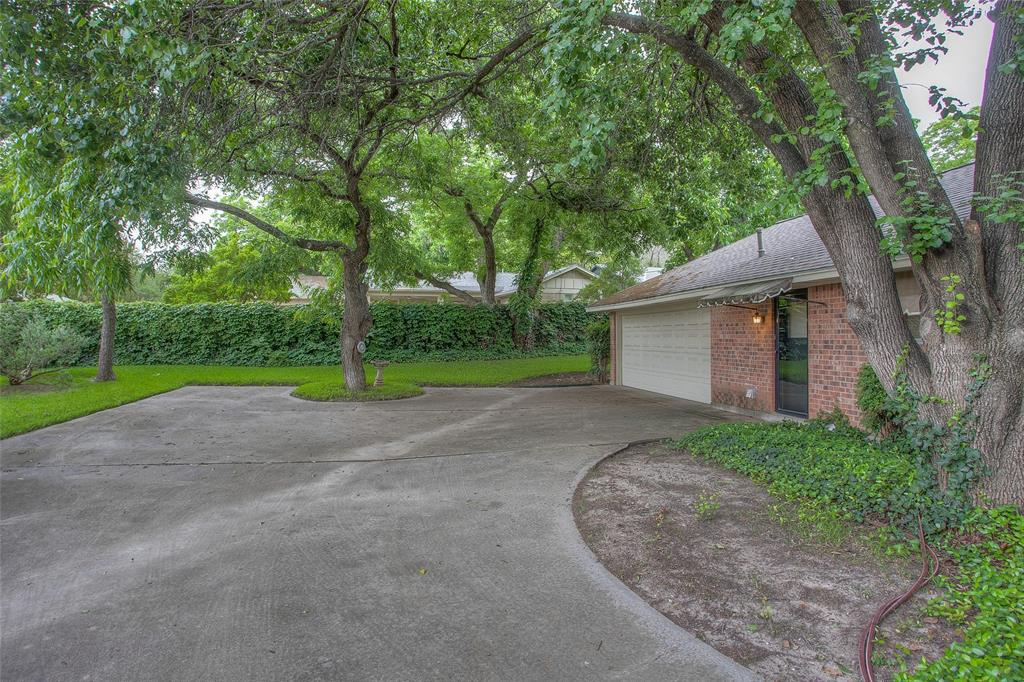 1513 Northcrest  Court, Fort Worth, Texas 76107 - acquisto real estate best luxury home specialist shana acquisto