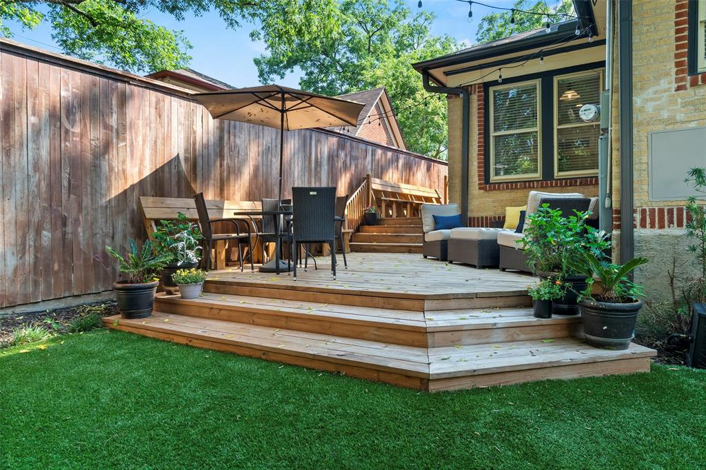 703 Valencia  Street, Dallas, Texas 75223 - acquisto real estate best realtor foreclosure real estate mike shepeherd walnut grove realtor