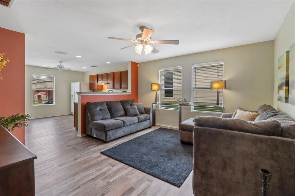 813 Rio Bravo  Drive, Fort Worth, Texas 76052 - acquisto real estate best celina realtor logan lawrence best dressed realtor