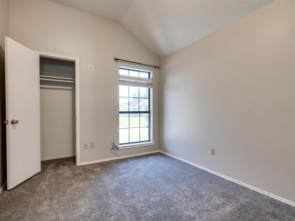 210 Mahogany  Drive, Arlington, Texas 76018 - acquisto real estate best realtor foreclosure real estate mike shepeherd walnut grove realtor