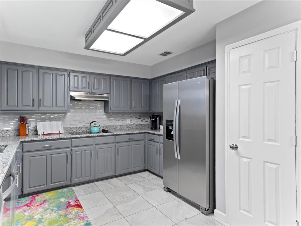 4509 Grey Dawn  Drive, Arlington, Texas 76017 - acquisto real estate best luxury buyers agent in texas shana acquisto inheritance realtor