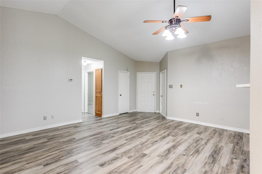 1025 Hills  Terrace, Saginaw, Texas 76179 - acquisto real estate best real estate company to work for