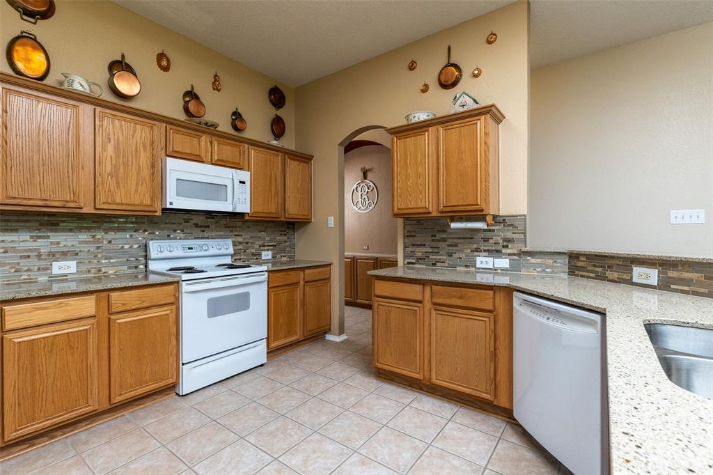 8165 Keechi Creek  Court, Fort Worth, Texas 76137 - acquisto real estate best real estate company to work for