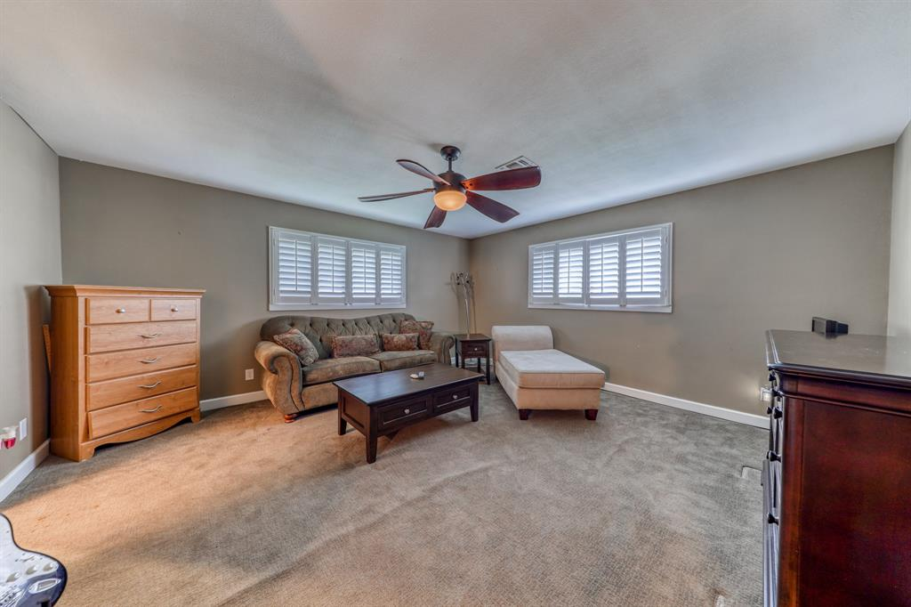 807 Hilltop  Drive, Weatherford, Texas 76086 - acquisto real estaet best boutique real estate firm in texas for high net worth sellers
