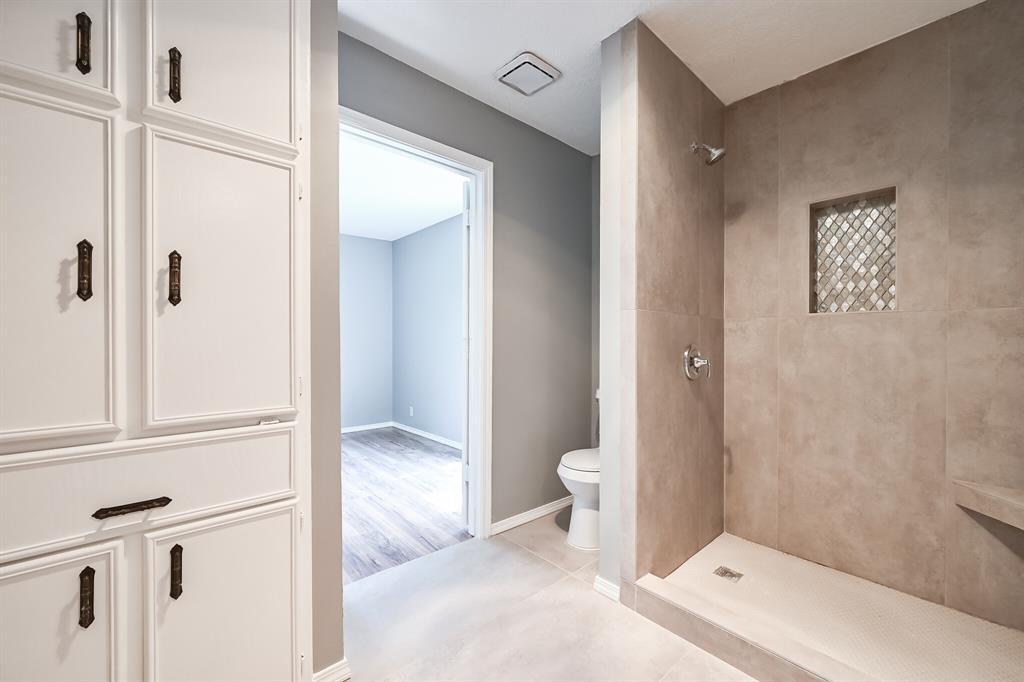 2401 Ben  Avenue, Fort Worth, Texas 76103 - acquisto real estate mvp award real estate logan lawrence