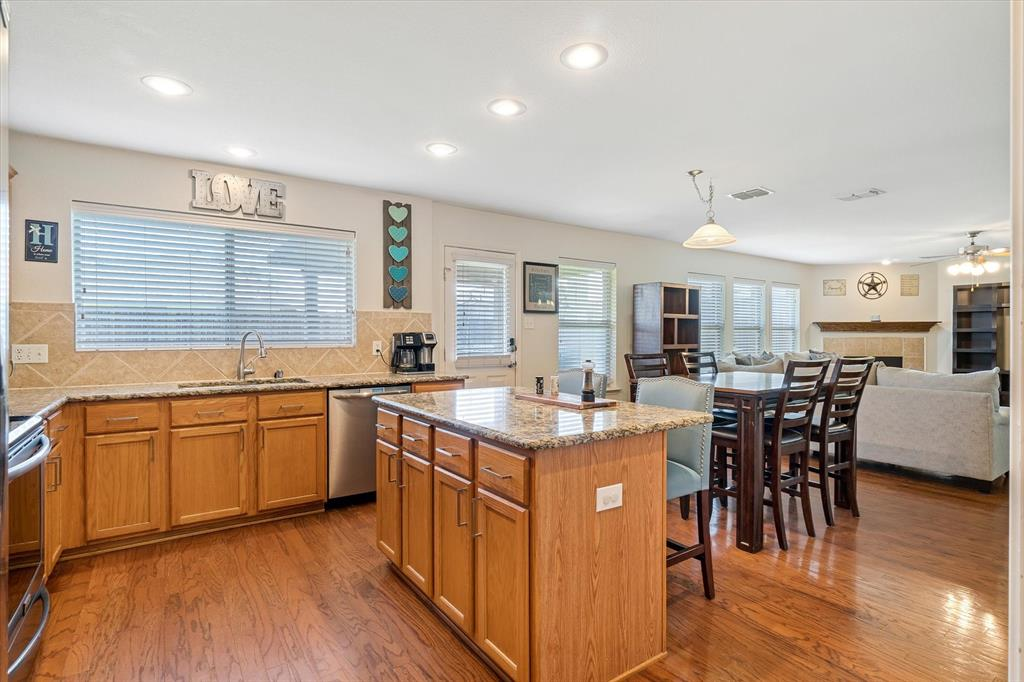 1308 Luckenbach  Drive, Forney, Texas 75126 - acquisto real estate best new home sales realtor linda miller executor real estate