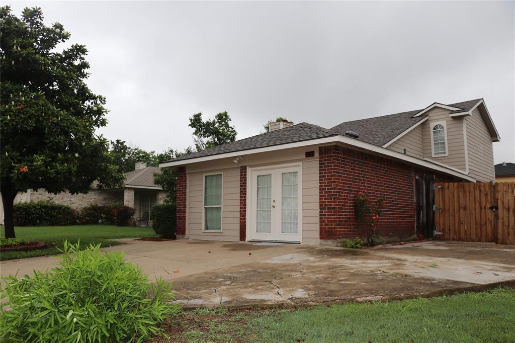 812 Earnest  Drive, Grand Prairie, Texas 75052 - acquisto real estate best prosper realtor susan cancemi windfarms realtor