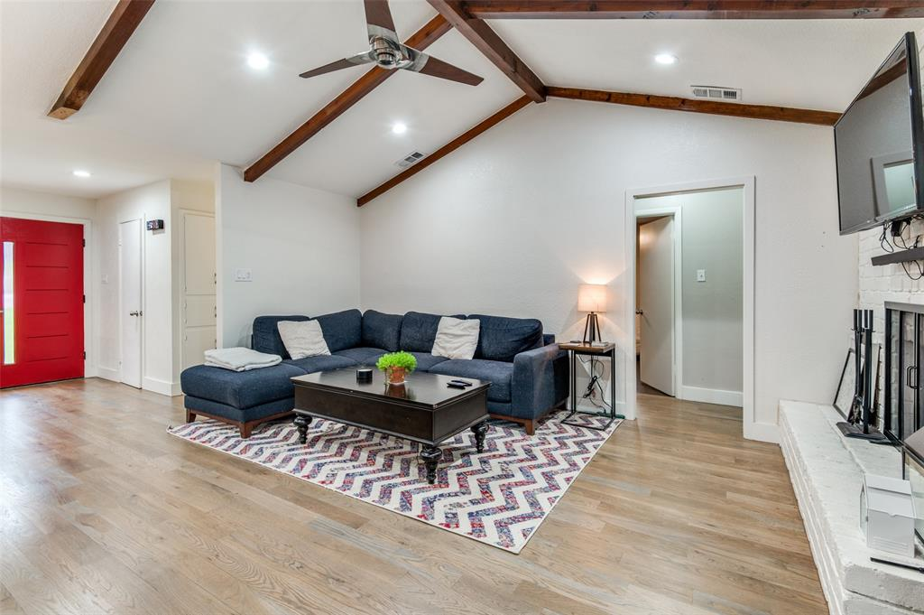 816 Wade  Drive, Bedford, Texas 76022 - acquisto real estate best the colony realtor linda miller the bridges real estate