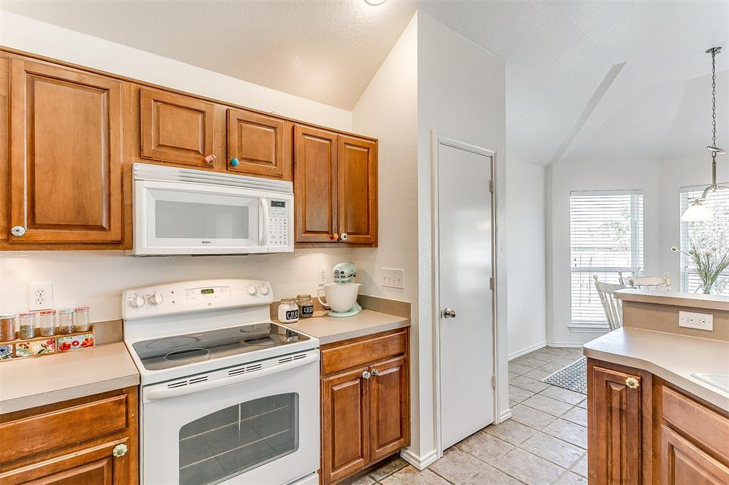 203 Seminole  Trail, Alvarado, Texas 76009 - acquisto real estate best realtor dallas texas linda miller agent for cultural buyers